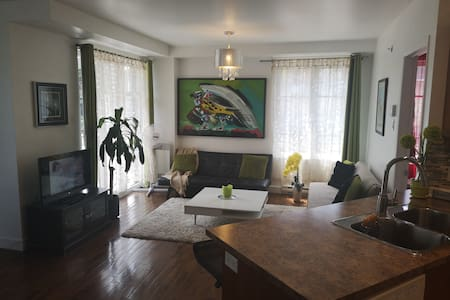 Beautiful 2 Bedroom Condo, for up to 8 people!