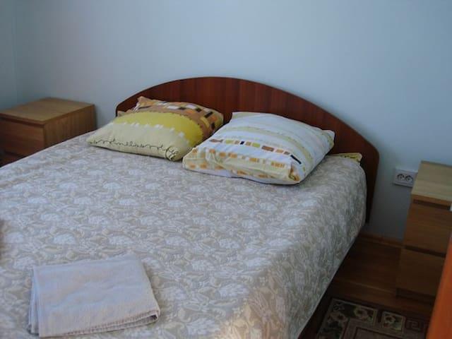 """Гостевой дом """"на Береговой"""". Бирюзовая комната - Manzherok"""