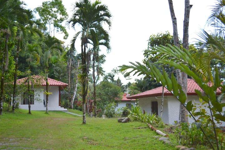 Villa privada dentro de Hotel - CR - Casa de campo