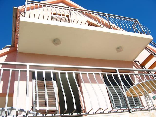 Apartman Vrulje - Karin Gornji - Apartment