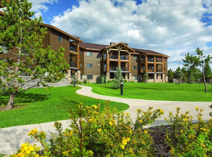 2BR West Yellowstone Resort