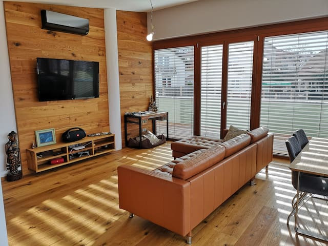 Private room 16m2 in vila with own terrace 22m2,WC