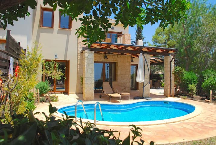 Panagia - Beautiful villa with private pool and stunning views.