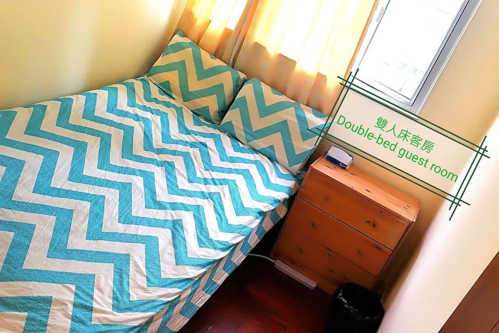 雙人床客房 Double-bed guest room