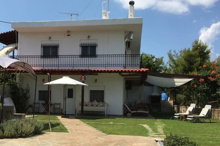 Όμορφο σπίτι , υπέροχη θέα