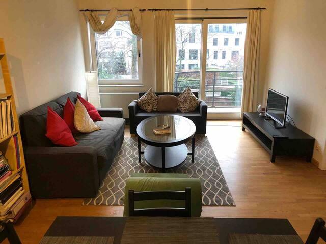 Très bel appartement 65 m2  (Montgomery/Merode)
