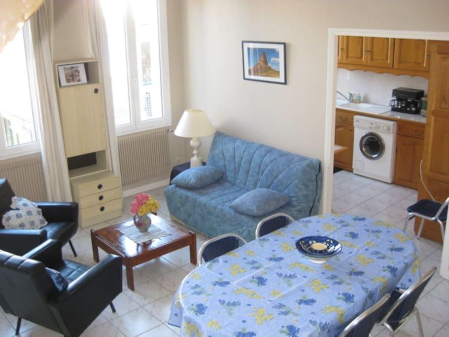 25 m2 ,salon-salle à manger