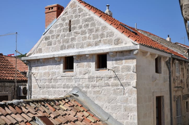 Apartment Korcula town, upper floors
