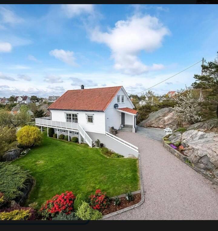 Hus på sjarmerende Flekkerøy