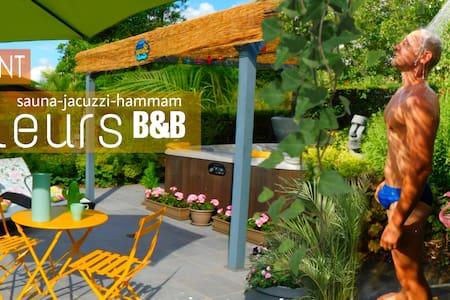 Ailleurs garden - sauna & jacuzzi included.