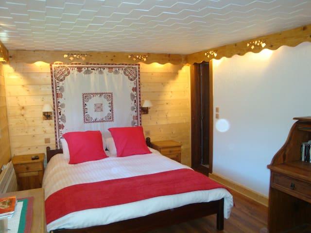 Chambre d'hôtes et spa en montagne - Valdeblore - Bed & Breakfast