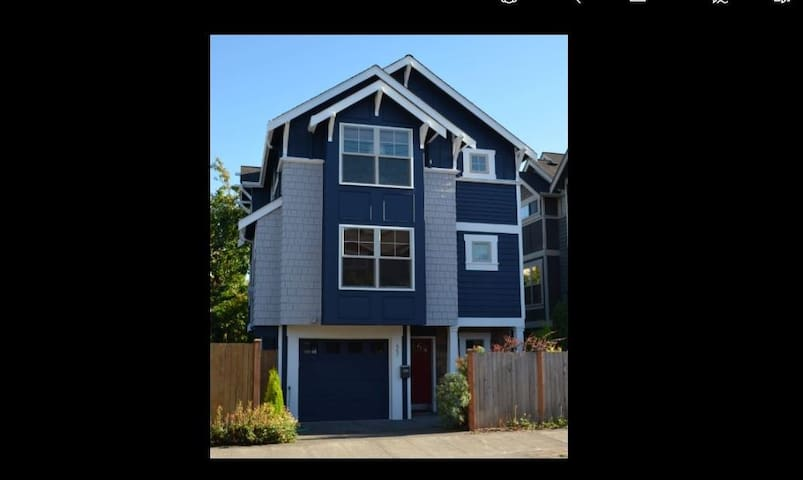 In-City New 3-Bedroom Home with Seasonal Views - Seattle - Casa