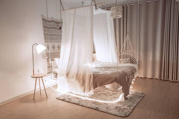 【嘛尼Home】湖南工业大学未来城摩洛哥投影吊床房