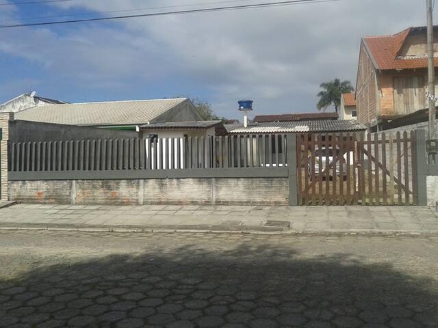 Kitinetes no Balneário de Ipanema Pontal do Paraná