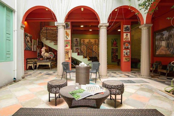 The Artist Villa • Secret Suite • Free Breakfast