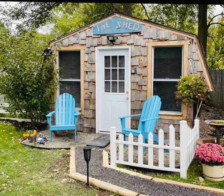 The shed Tiny House with Hot Tub