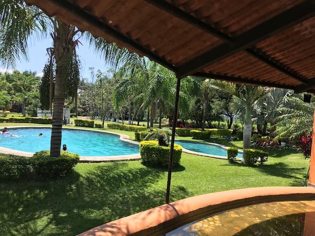 Jardín Rancho Ixtla Las Palmas 1