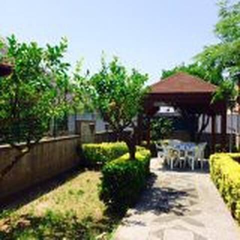 Casa con giardino - Capo d'Orlando - Lejlighed