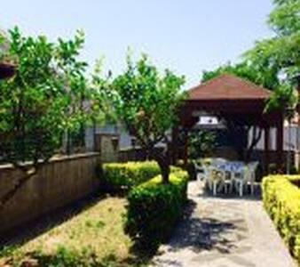 Casa con giardino - Capo d'Orlando - 公寓