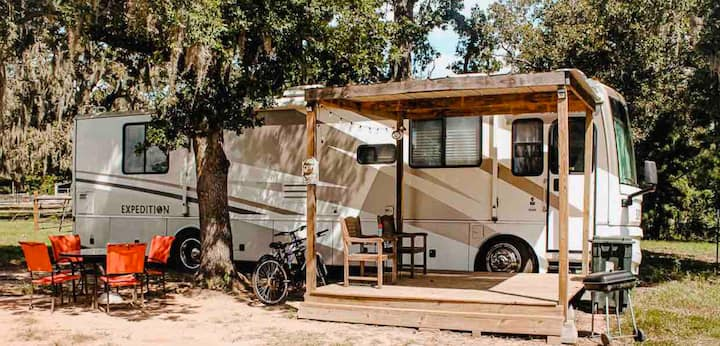 Luxury Cowboy Motorhome on The Williams Ranch