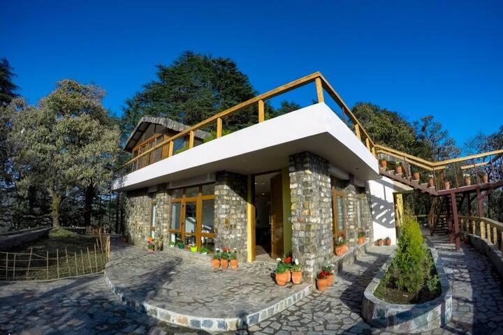 Villa in The Hills