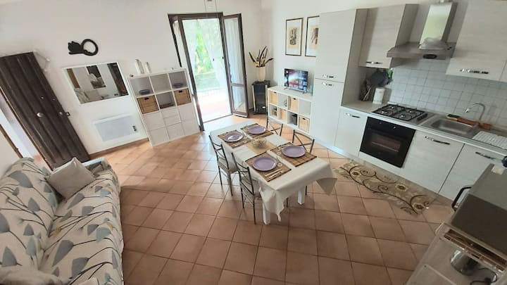 Appartamento con giardino e ampio balcone