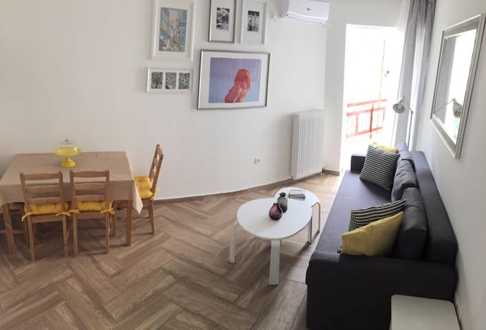 Fresh and charming 2BD apt in Athens! - Kesariani - Apartamento
