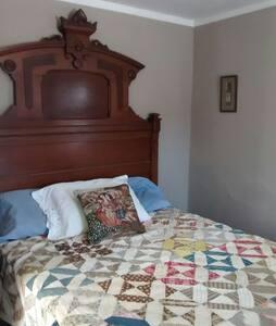Quiet Room on Berkshire Farm - Becket