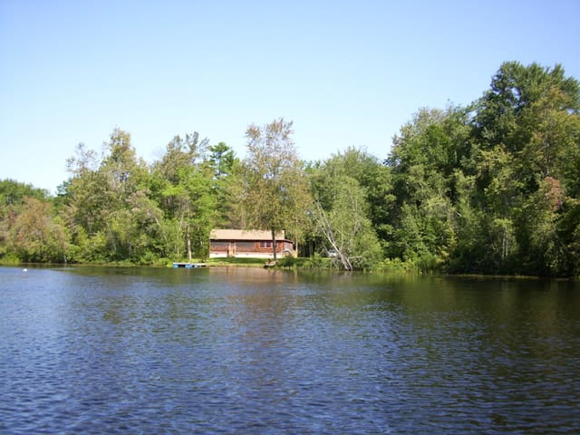 Kezar Lake Waterfront Cottage - Glenwaydon