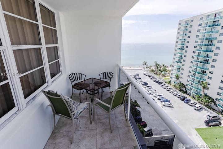 Air on the SEA 1 bed 1/5 bath