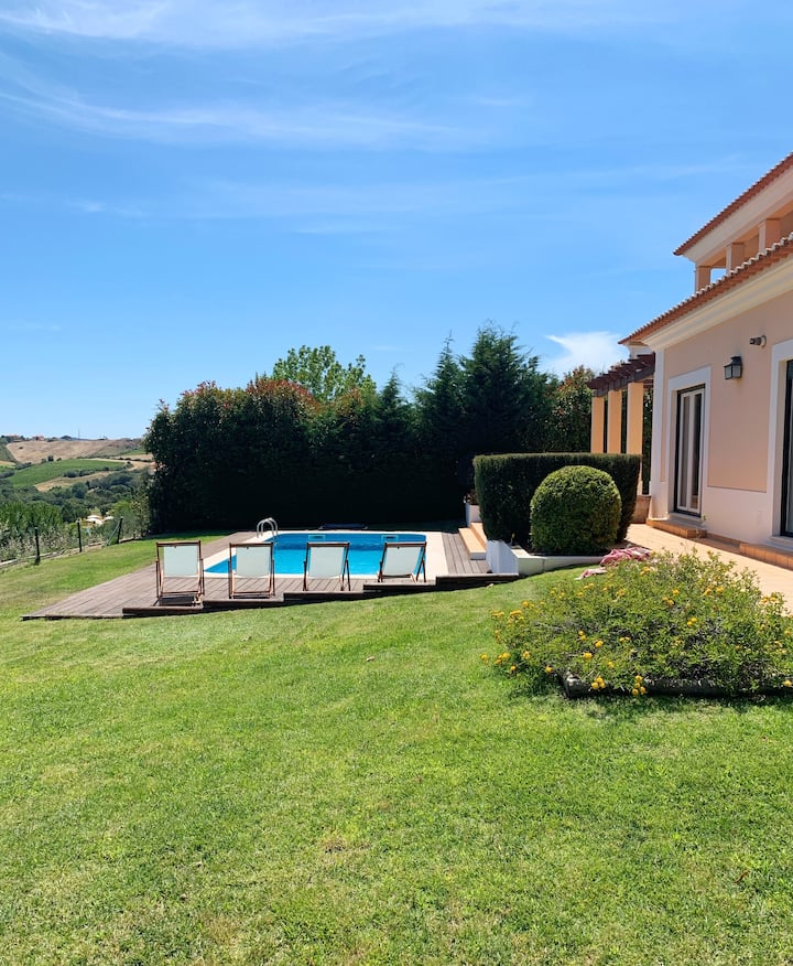 Villa with swimming pool in Golf Resort