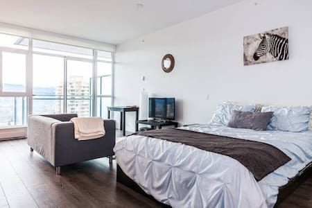 Convenient Getaway in Metro Van - Burnaby - Apartment