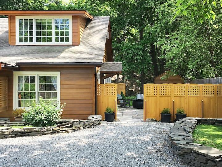 Brook Cottage Too: 5-star pristine/luxury SHELTER