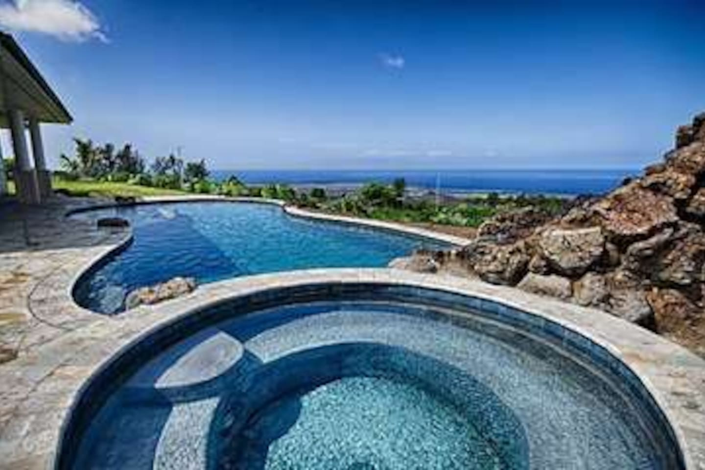 Pool, Hot Tub and Ocean Views....What more do you need?