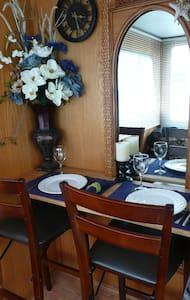 Harbor Houseboat Getaway 4 Two! - Half Moon Bay - Barco