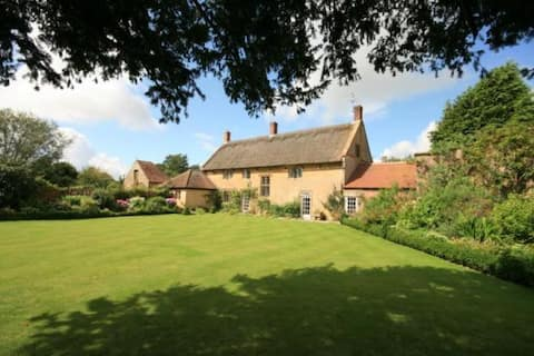 Boleyn House - Spacious self contained annexe