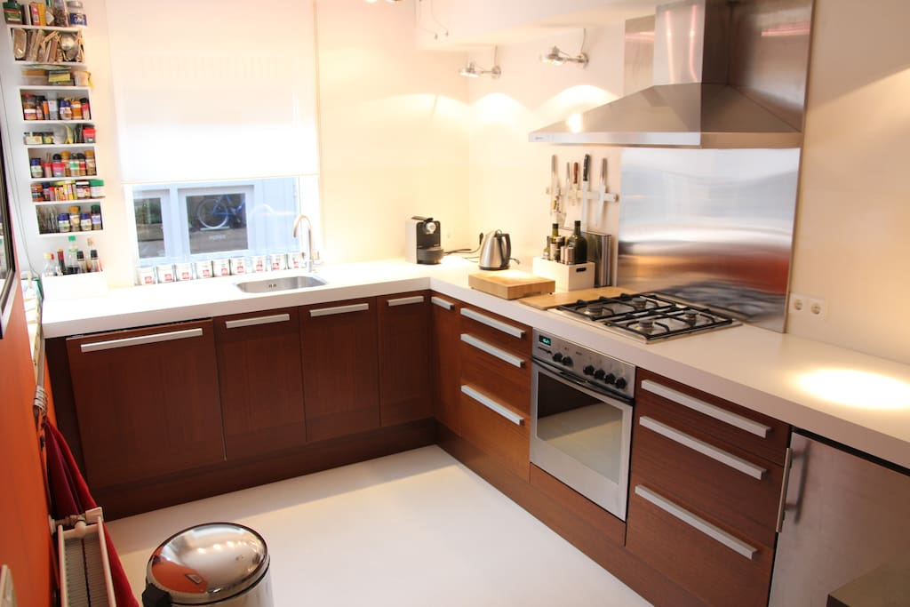 Fully equipped kitchen, nespresso, oven, all you need for a perfect dinner.