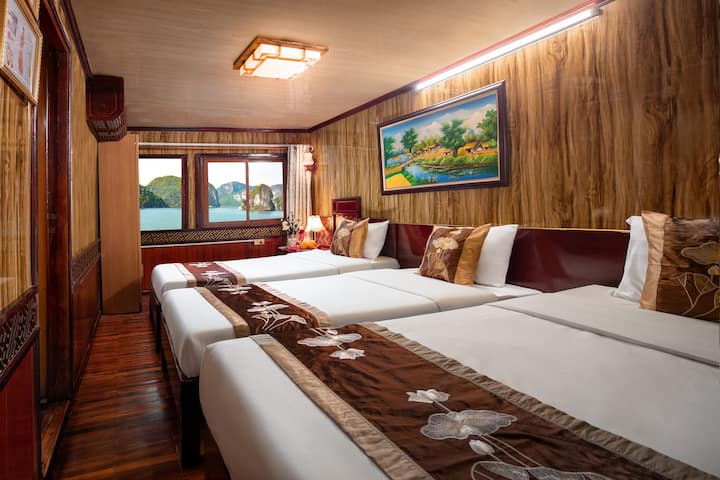 Deluxe Triple Cabin With Sea View-Cozy Bay Cruise