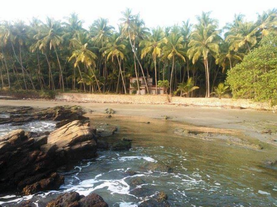 Malabar Cove Beach House - Kannur - North Kerala - South India