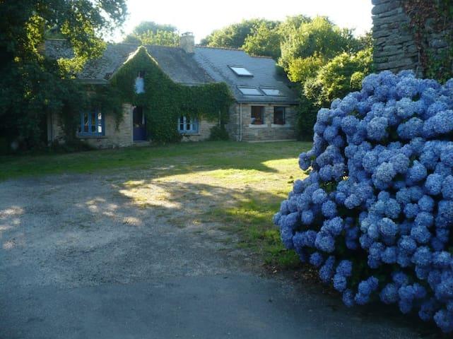Maison rénovée en pleine campagne - Bannalec - Dům