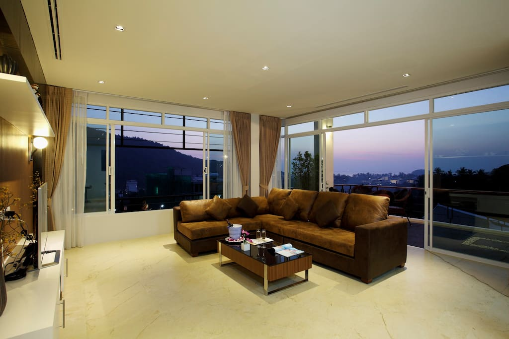 Living room with ocean/sunset views!
