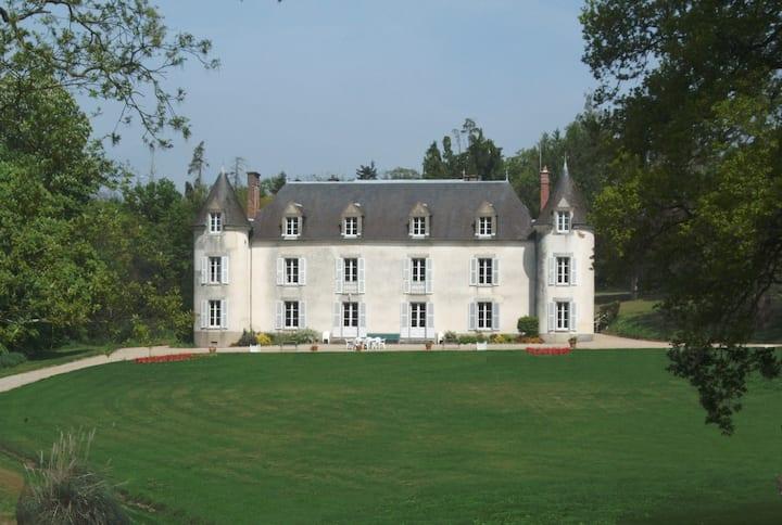 Château de La Ville-Huë 56380 GUER