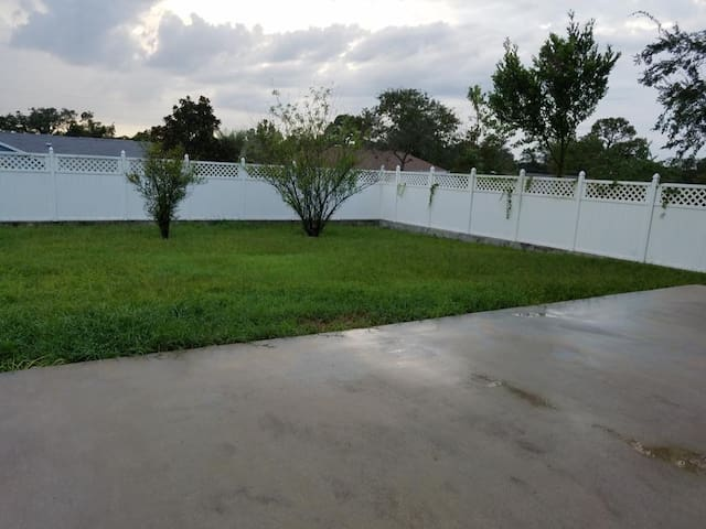 Rooms for Daily Rental in Spring Hill,FL!