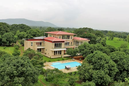 The Majestic Villa - Raigad