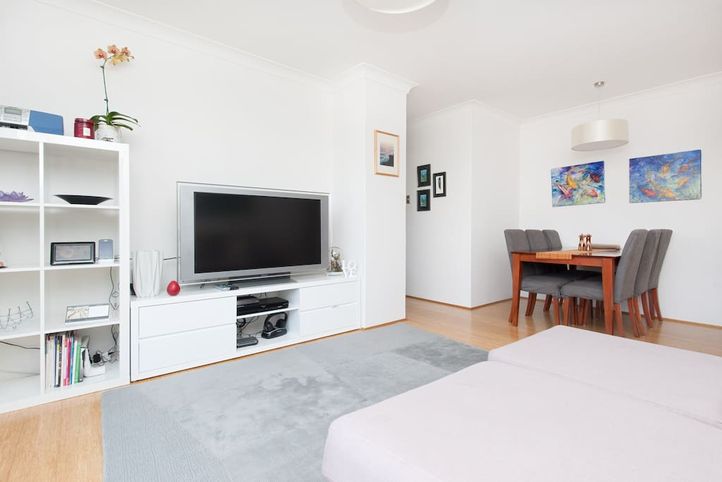 Sydney parkside apartment apartments for rent in for Parkside guest house bath