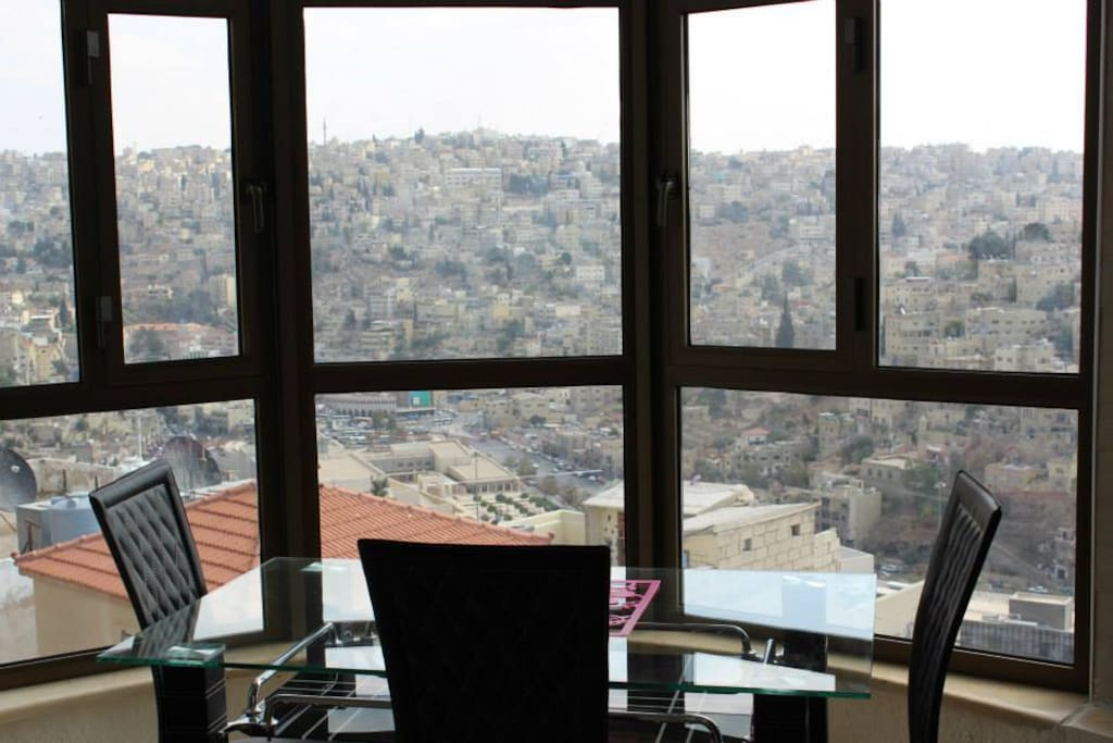 Old view 2 bedroom city view apart apartments for rent for Living room amman