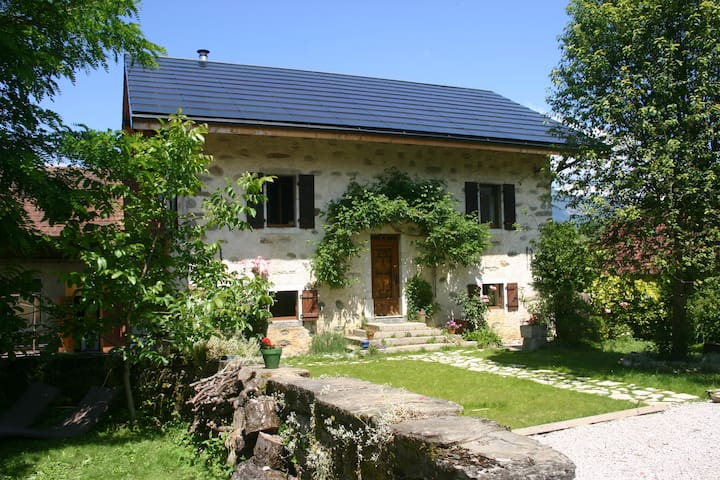 Cottage 90m² - 2 bedrooms - Amancy - Huoneisto