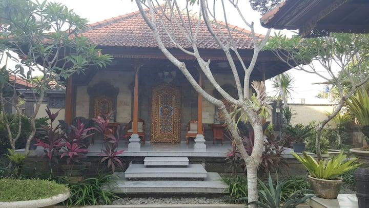 Traditional royal Bali styled B.R