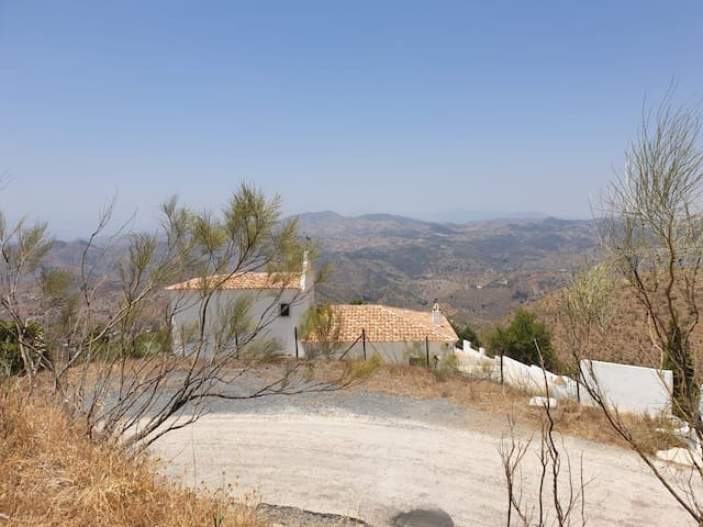 Double room in beautiful villa with swimming pool
