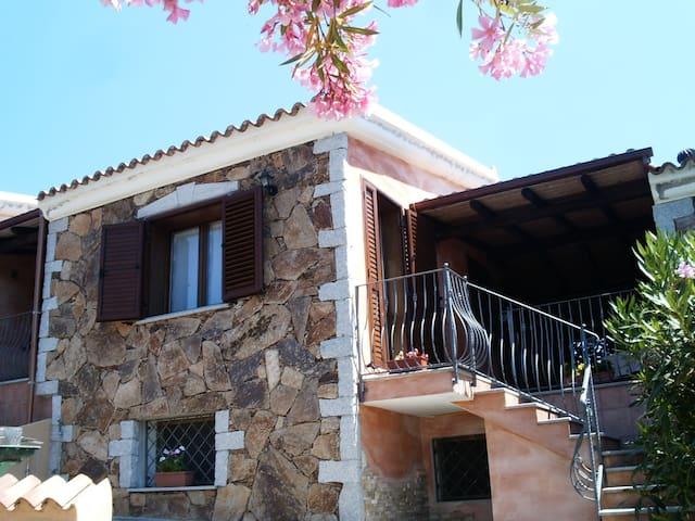 Capo Comino: Villetta vista  mare - Siniscola - House